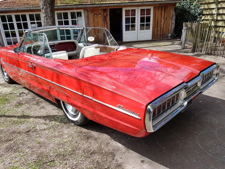 1965 Ford Thunderbird Convertible - 390CI (31)