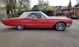 1965 Ford Thunderbird Convertible - 390CI (23)