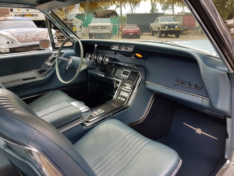 1965 Ford Thunderbird Hardtop 390ci (7)
