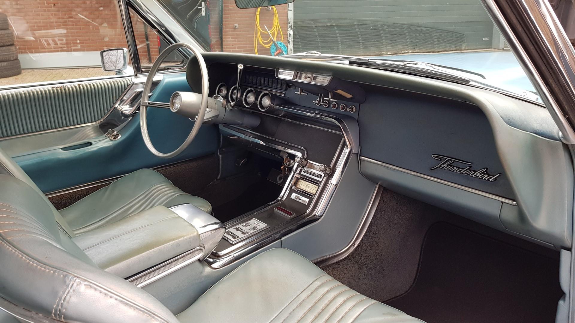 1965 Ford Thunderbird Hardtop 390ci FE (14)