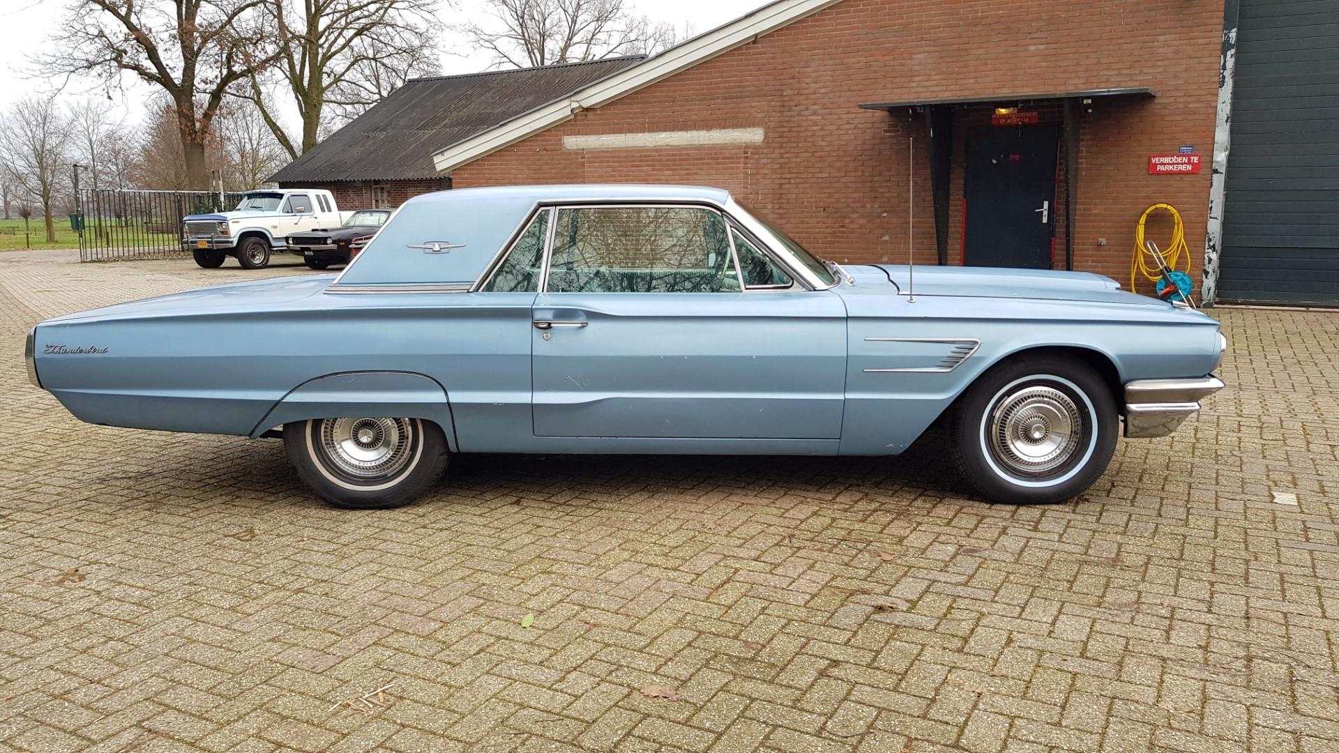 1965 Ford Thunderbird Hardtop 390ci FE (6)