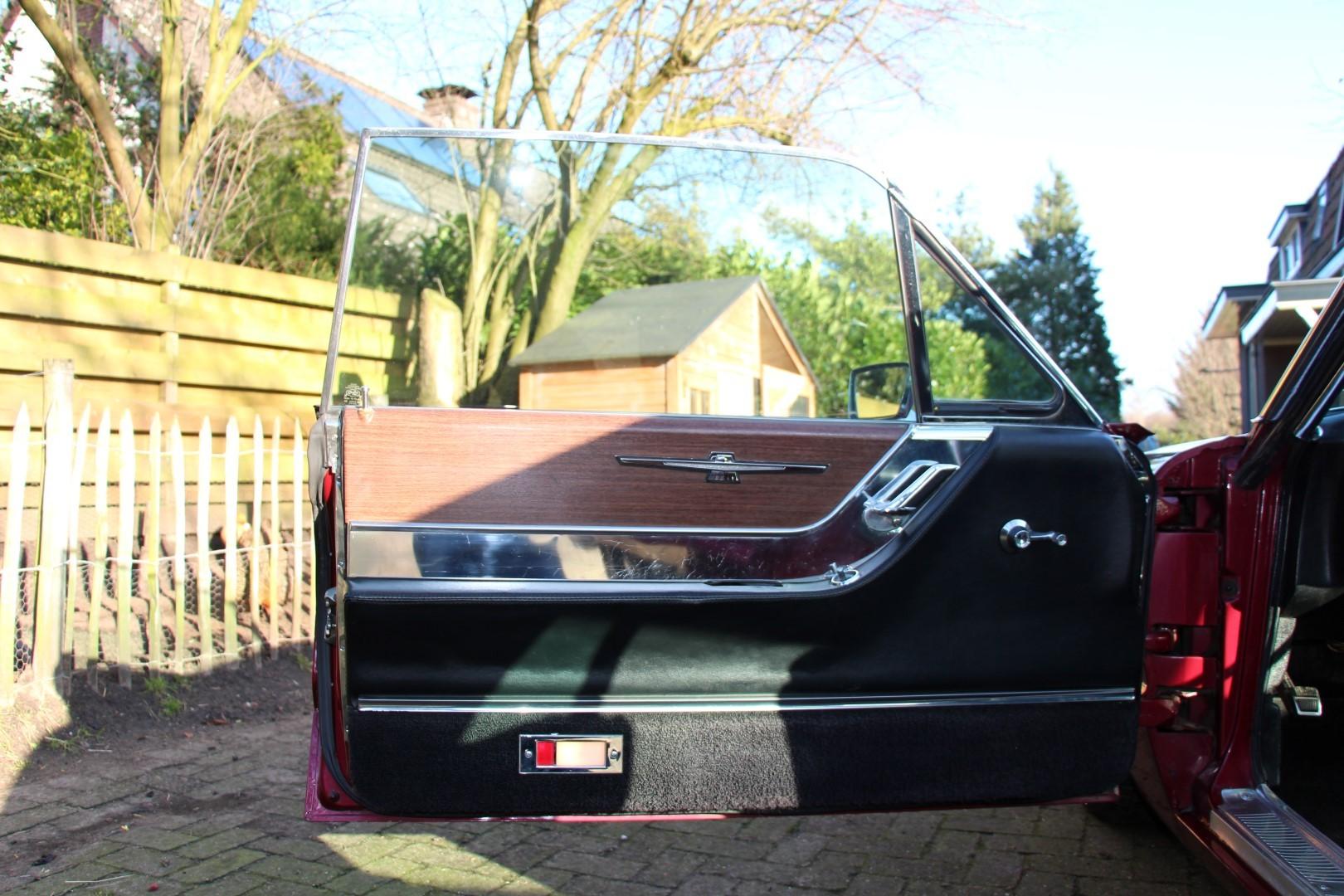 1965 Ford Thunderbird Hardtop - Burgundy (5)