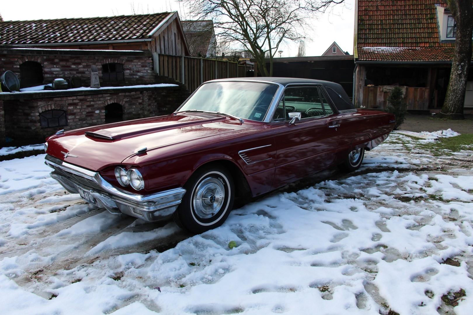1965 Ford Thunderbird Hardtop - Burgundy new (14)