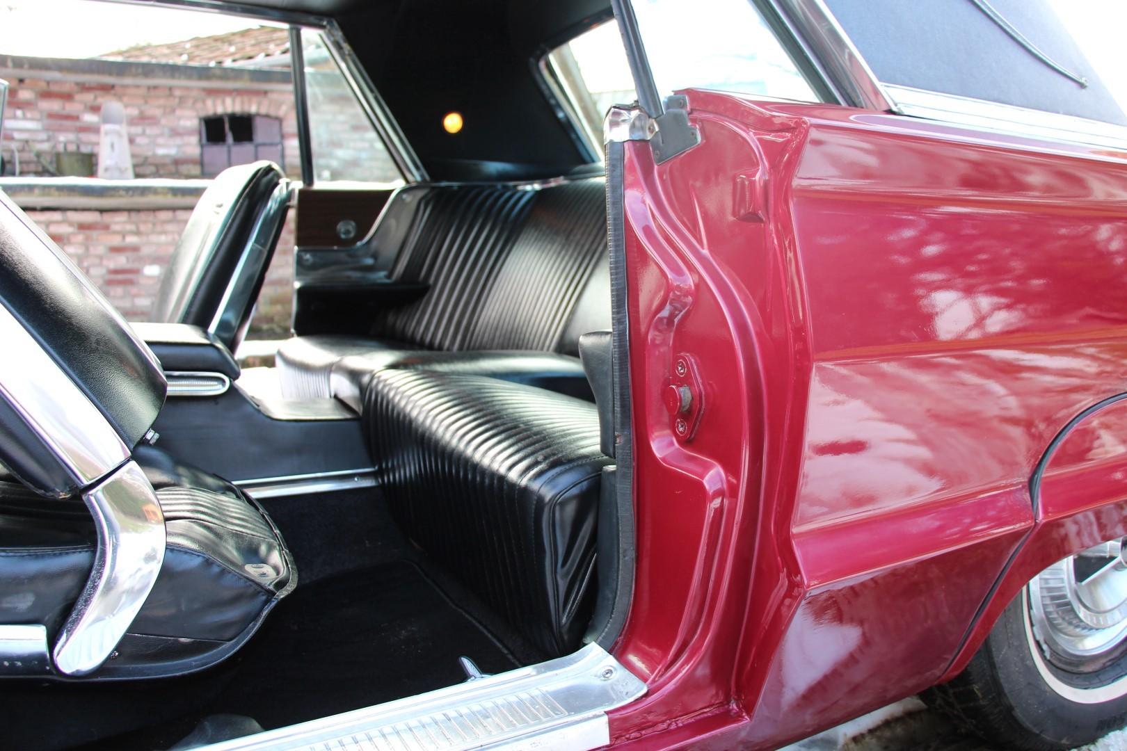1965 Ford Thunderbird Hardtop - Burgundy new (4)