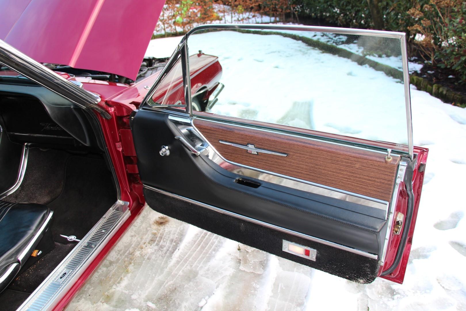 1965 Ford Thunderbird Hardtop - Burgundy new (5)