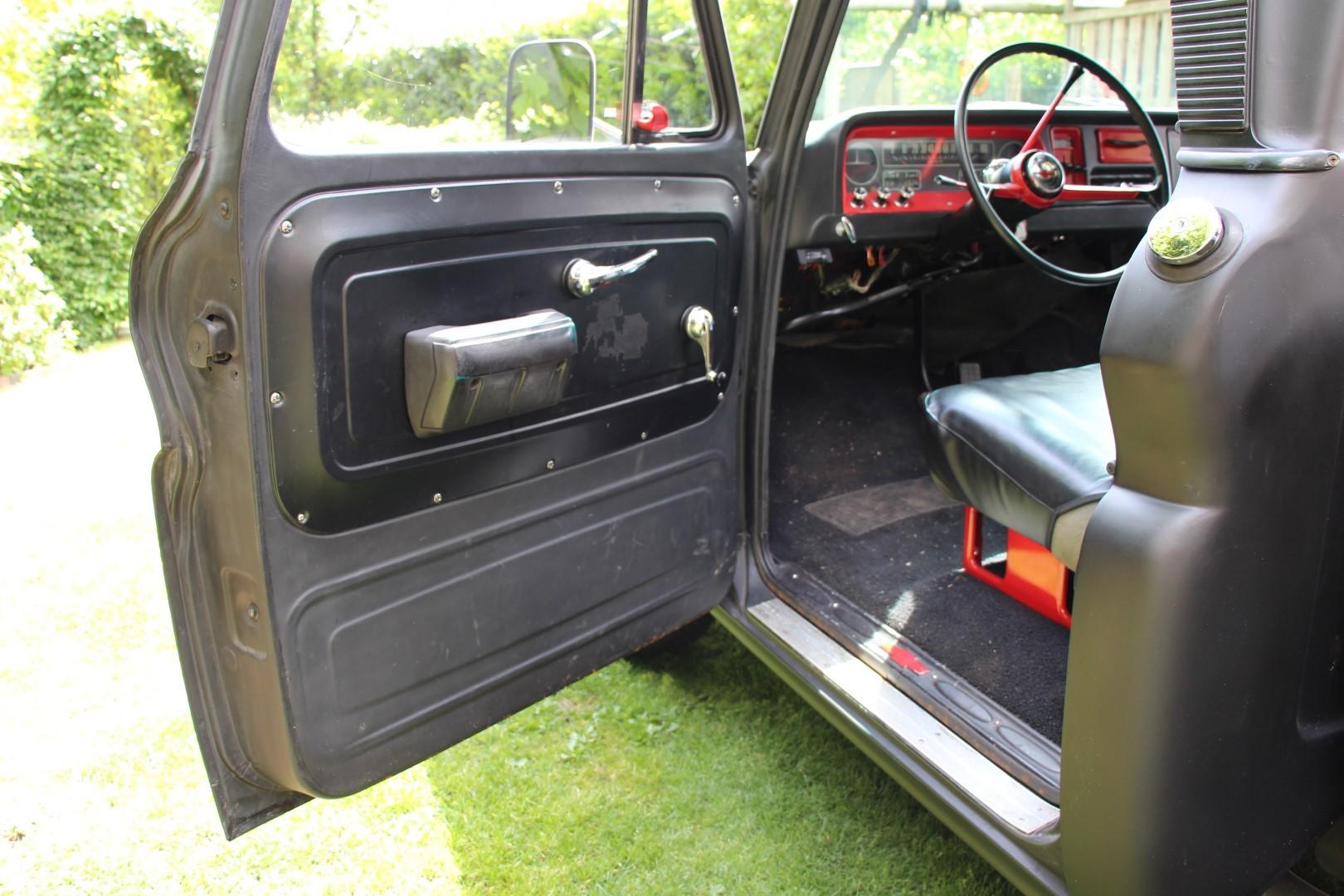 1966 Chevy C20 Pickup (13)