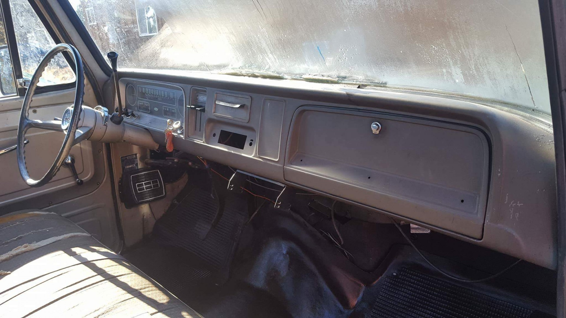 1966 Chevrolet C20 327ci Automatic (1)