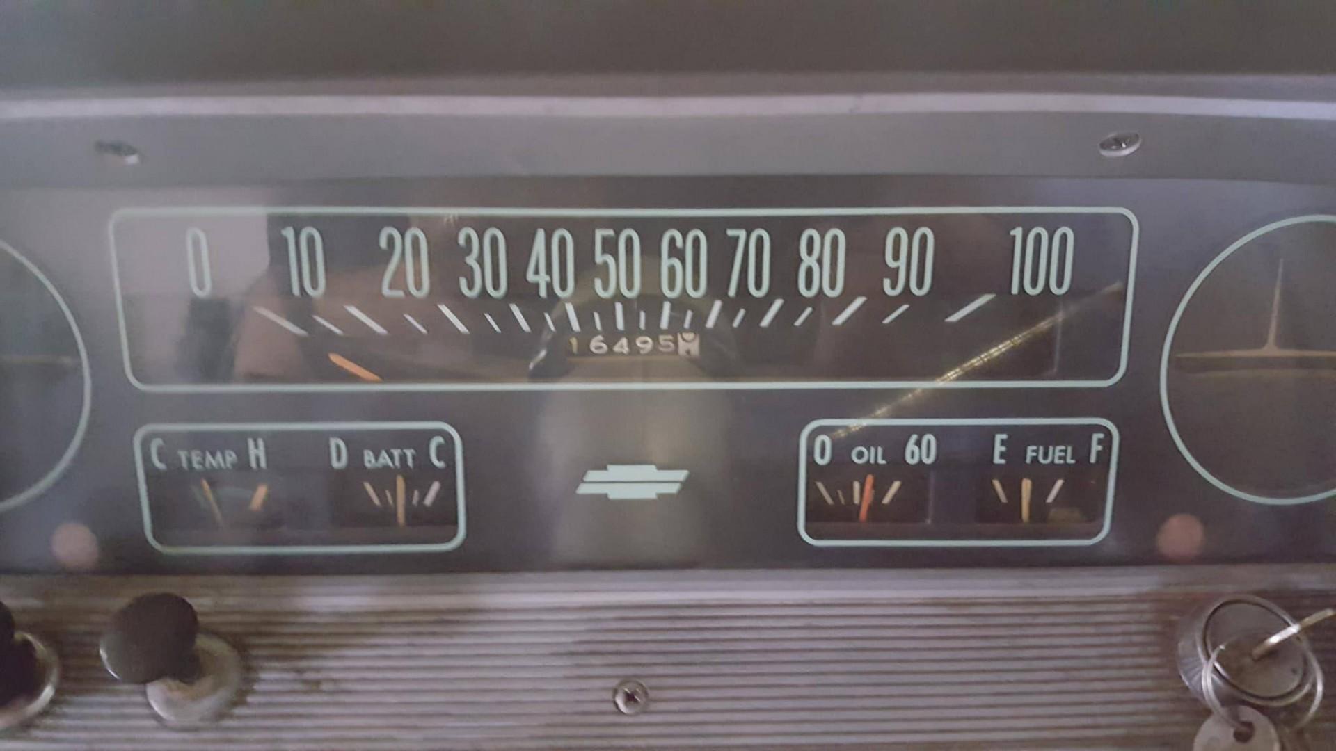 1966 Chevrolet C20 327ci Automatic (17)