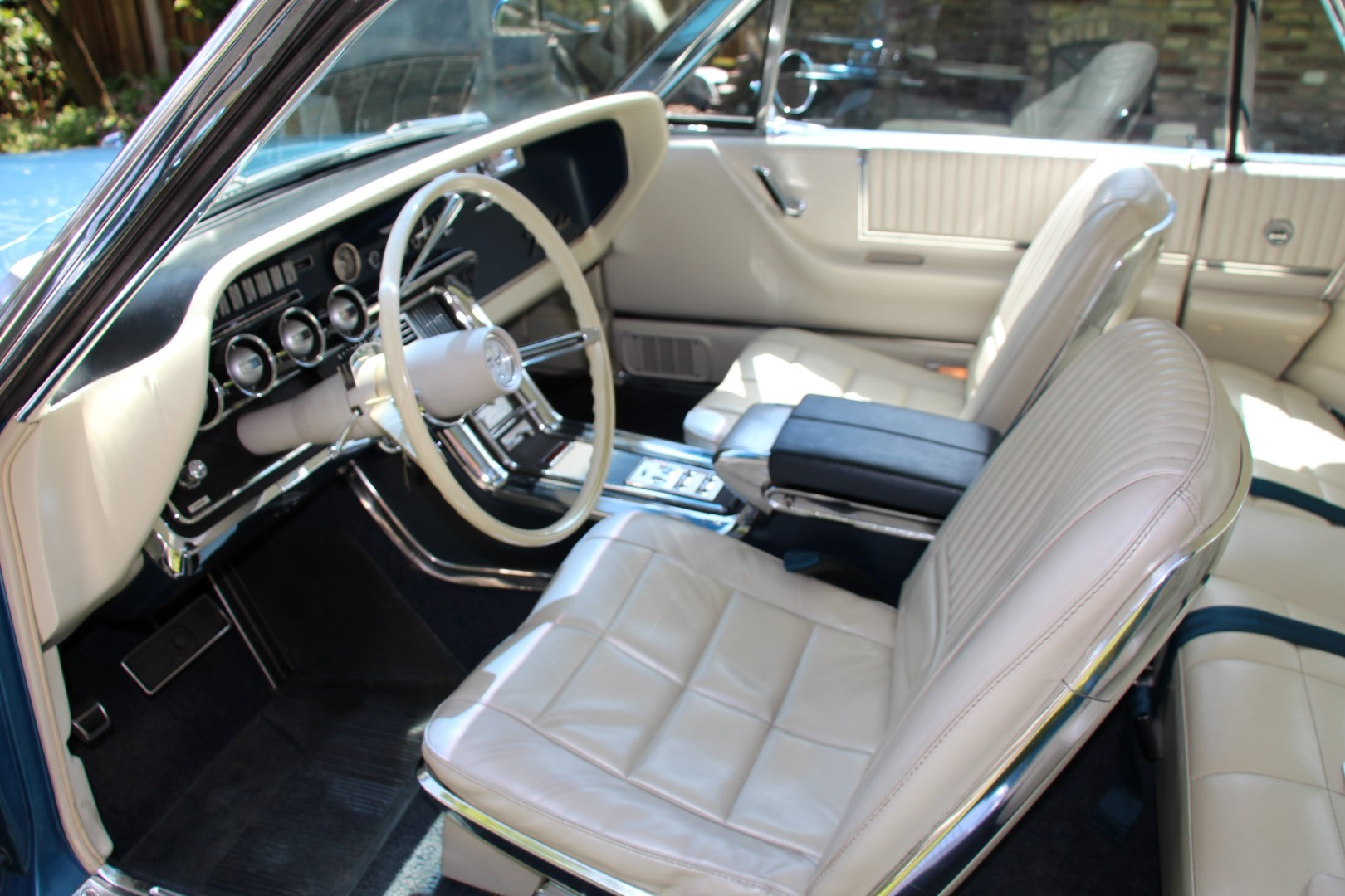 1966 Ford Thunderbird Hardtop 428ci (16)