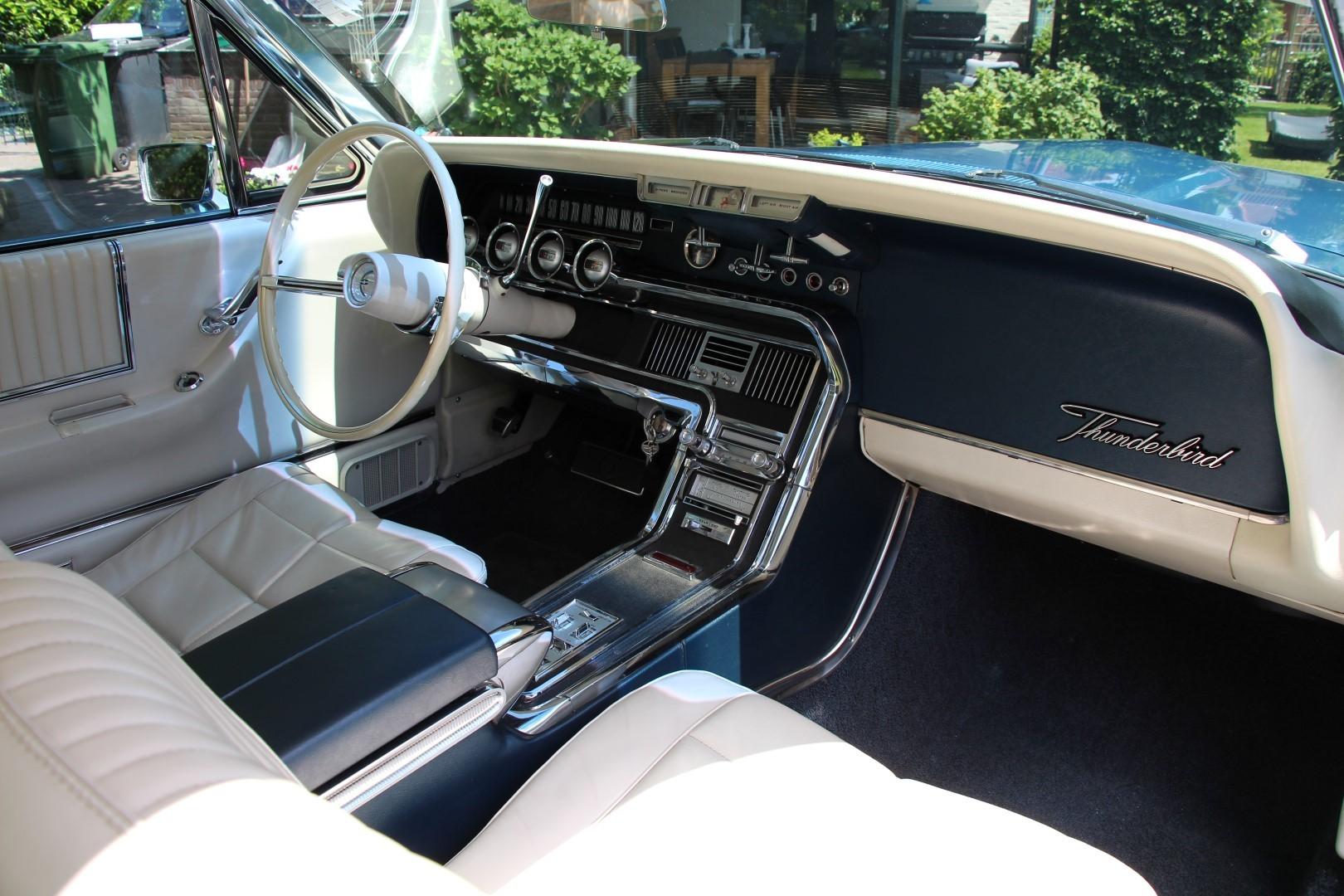 1966 Ford Thunderbird Hardtop 428ci (18)