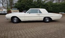 1966 Ford Thunderbird Hardtop (2)