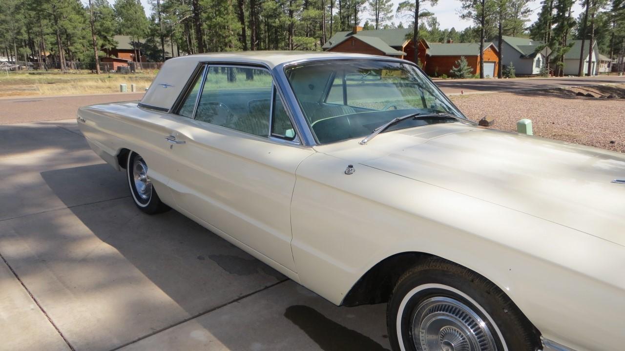 1966 Ford Thunderbird Hardtop Wimbledon White (20)