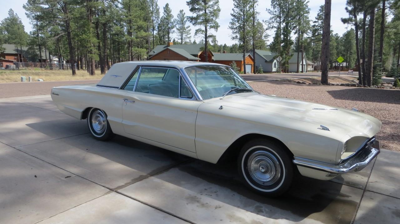 1966 Ford Thunderbird Hardtop Wimbledon White (5)