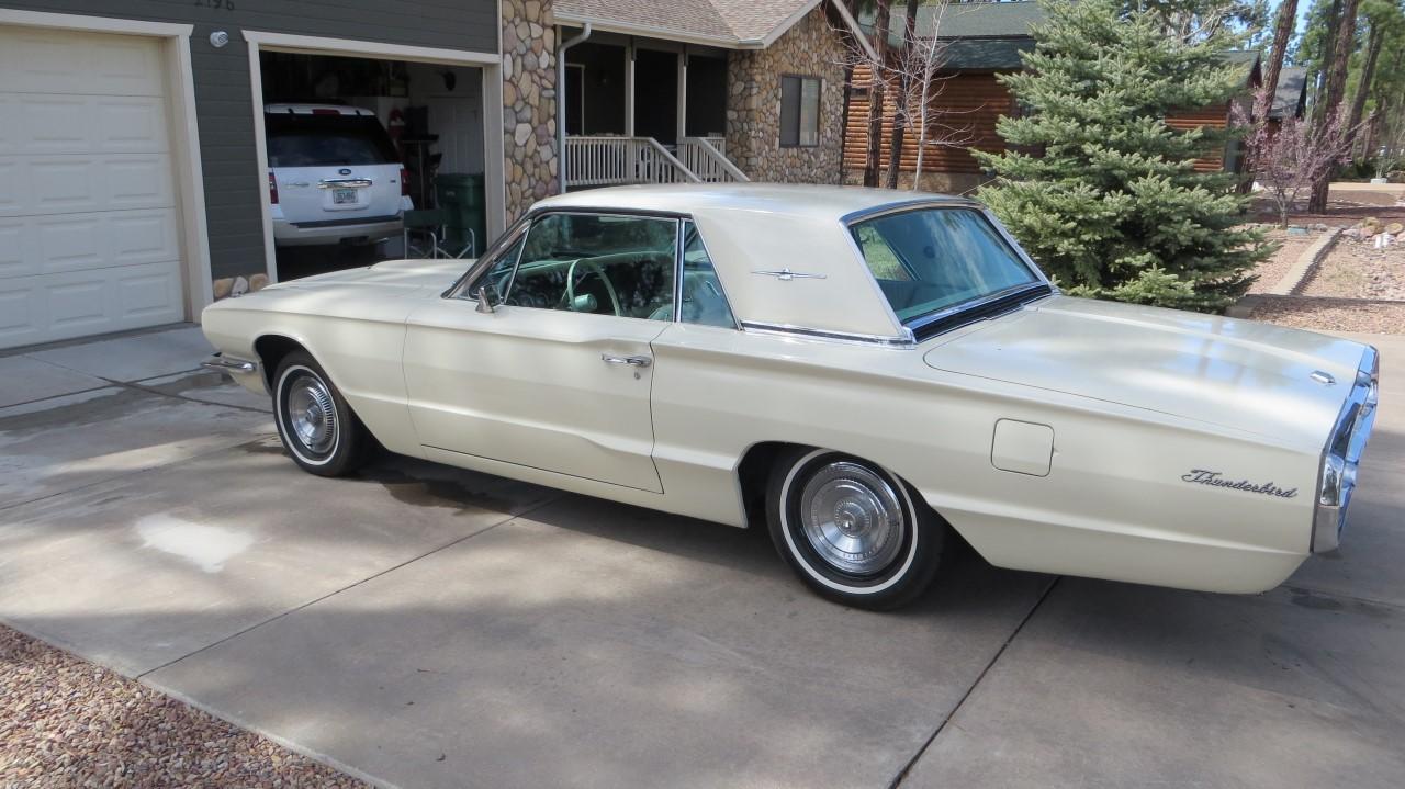 1966 Ford Thunderbird Hardtop Wimbledon White (8)
