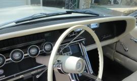 1966 Ford Thunderbird Hardtop Wimbledon White (10)