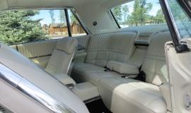 1966 Ford Thunderbird Hardtop Wimbledon White (12)