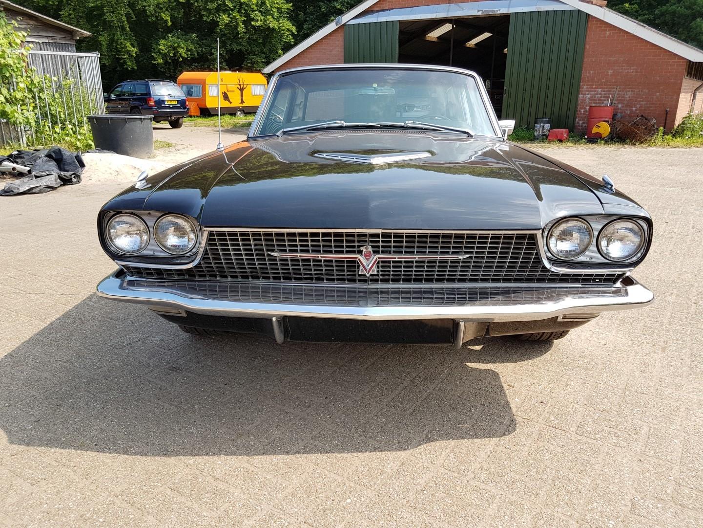 1966 Ford Thunderbird Town Landau triple black - 390ci (21)
