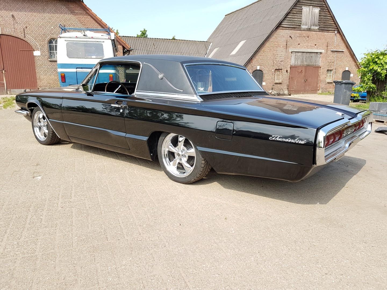 1966 Ford Thunderbird Town Landau triple black - 390ci (26)
