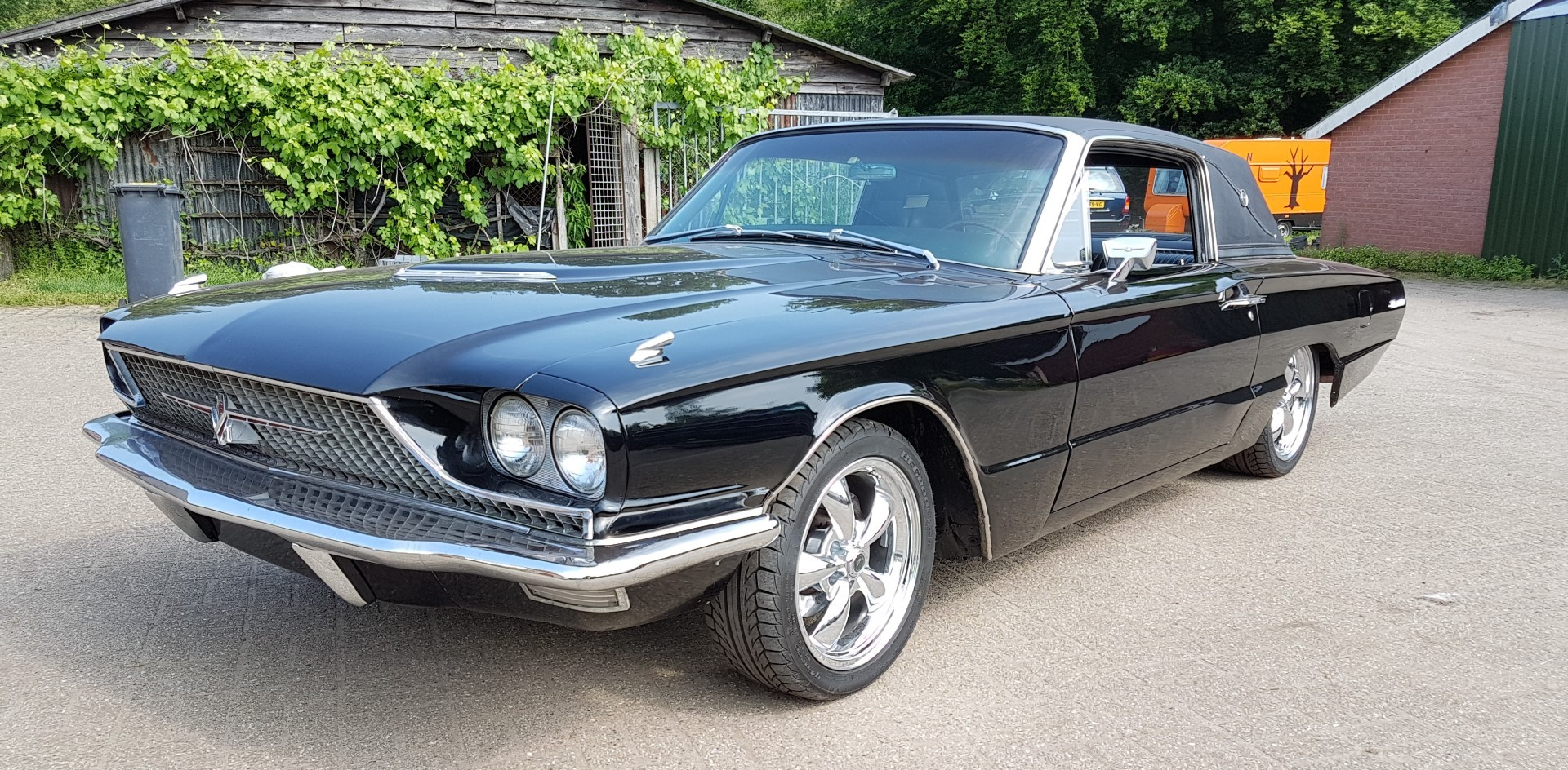 1966 Ford Thunderbird Town Landau triple black - 390ci (29)