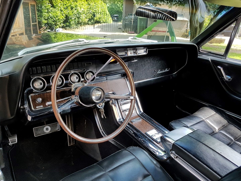 1966 Ford Thunderbird Town Landau triple black - 390ci (31)