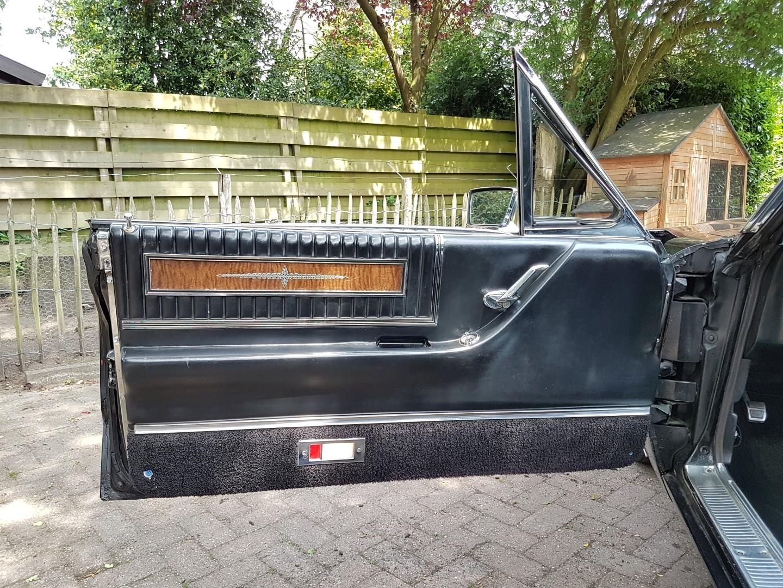 1966 Ford Thunderbird Town Landau triple black - 390ci (32)