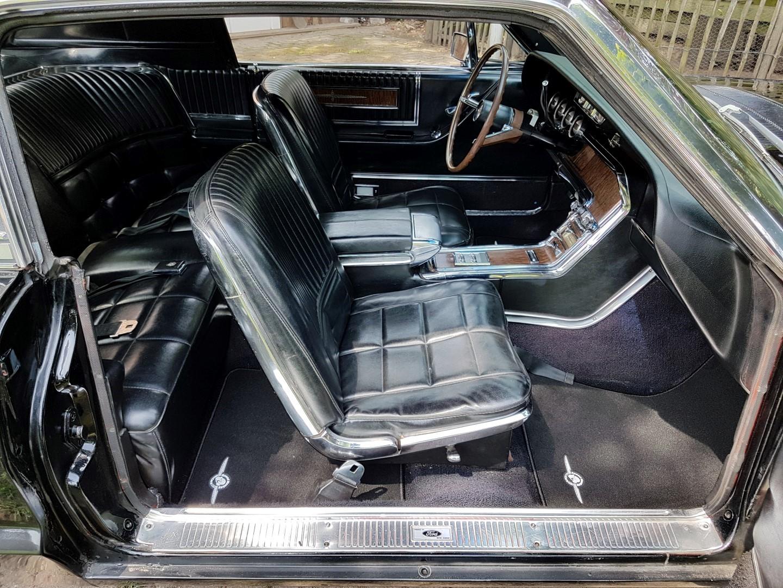 1966 Ford Thunderbird Town Landau triple black - 390ci (35)