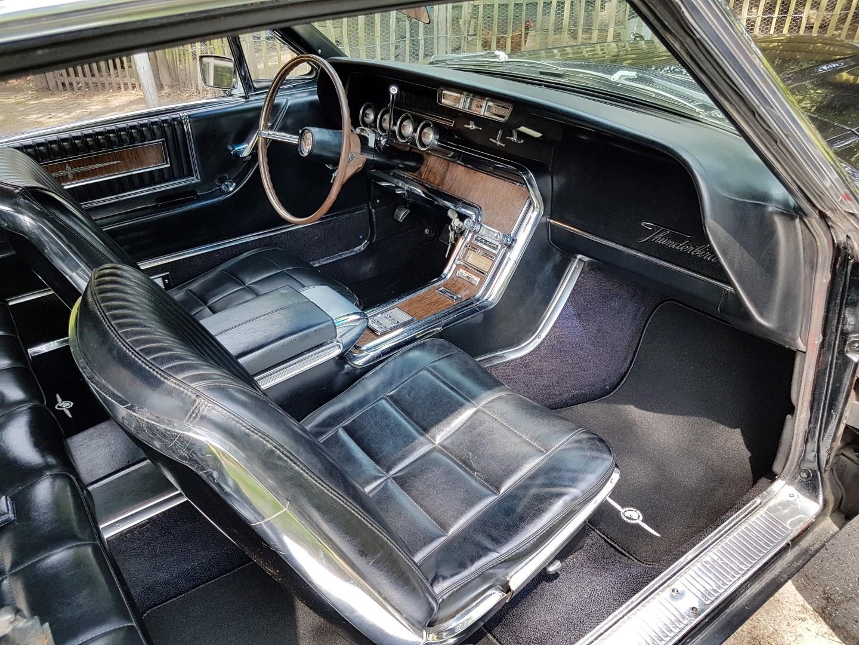 1966 Ford Thunderbird Town Landau triple black - 390ci (36)
