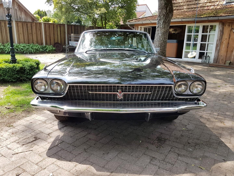 1966 Ford Thunderbird Town Landau triple black - 390ci (38)