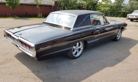 1966 Ford Thunderbird Town Landau triple black - 390ci (24)