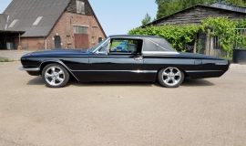 1966 Ford Thunderbird Town Landau triple black - 390ci (27)