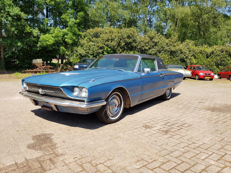 1966 Ford Thunderbird Town Landau 428ci (2)