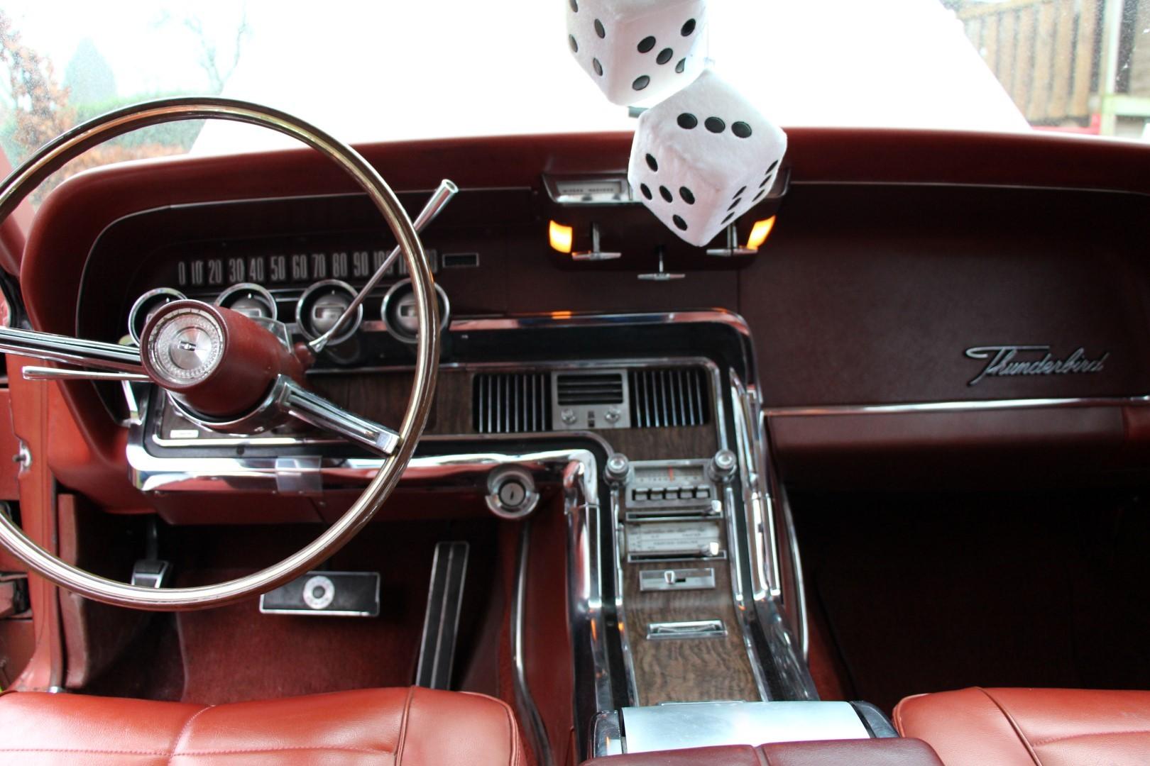 1966 Ford Thunderbird Town Landau 428 - emberglow (12)