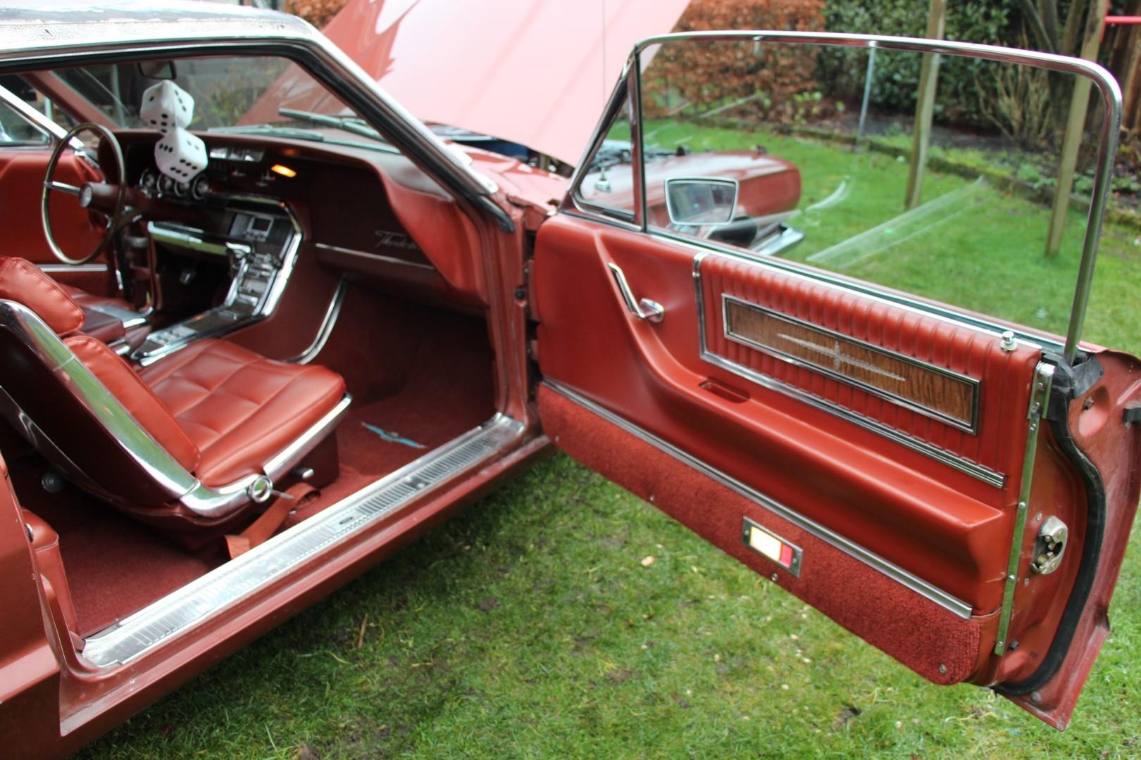 1966 Ford Thunderbird Town Landau 428 - emberglow (5)