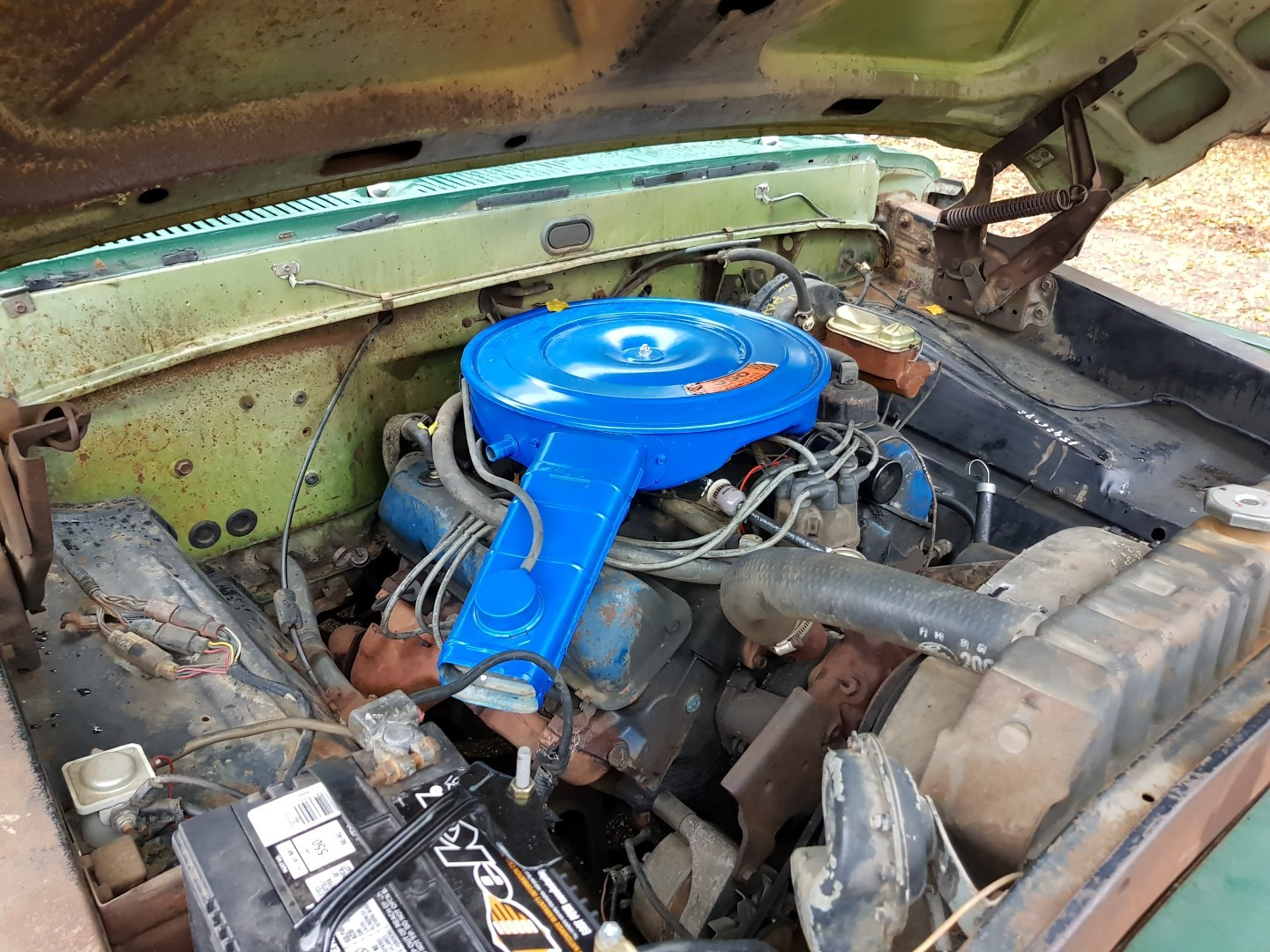 1968 Ford F100 with 390ci (1)