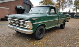 1968 Ford F100 with 390ci (2)
