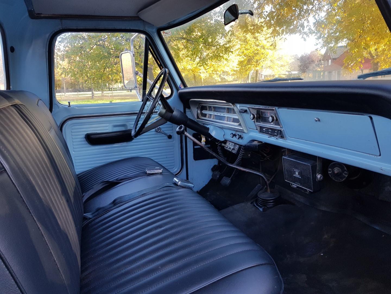 1968 Ford F250 Camper Special 360ci V8 Manual (12)