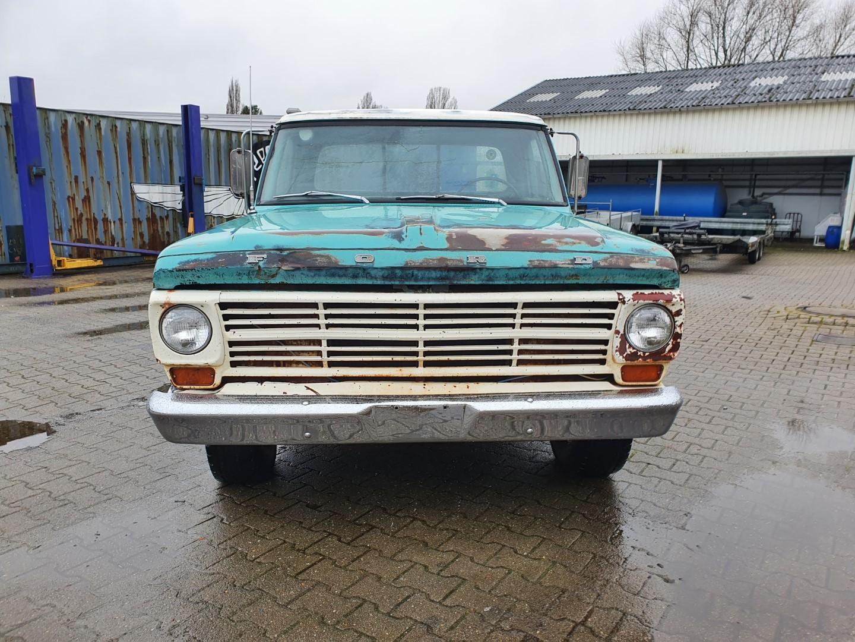 1969-Ford-F250-390ci-V8-8