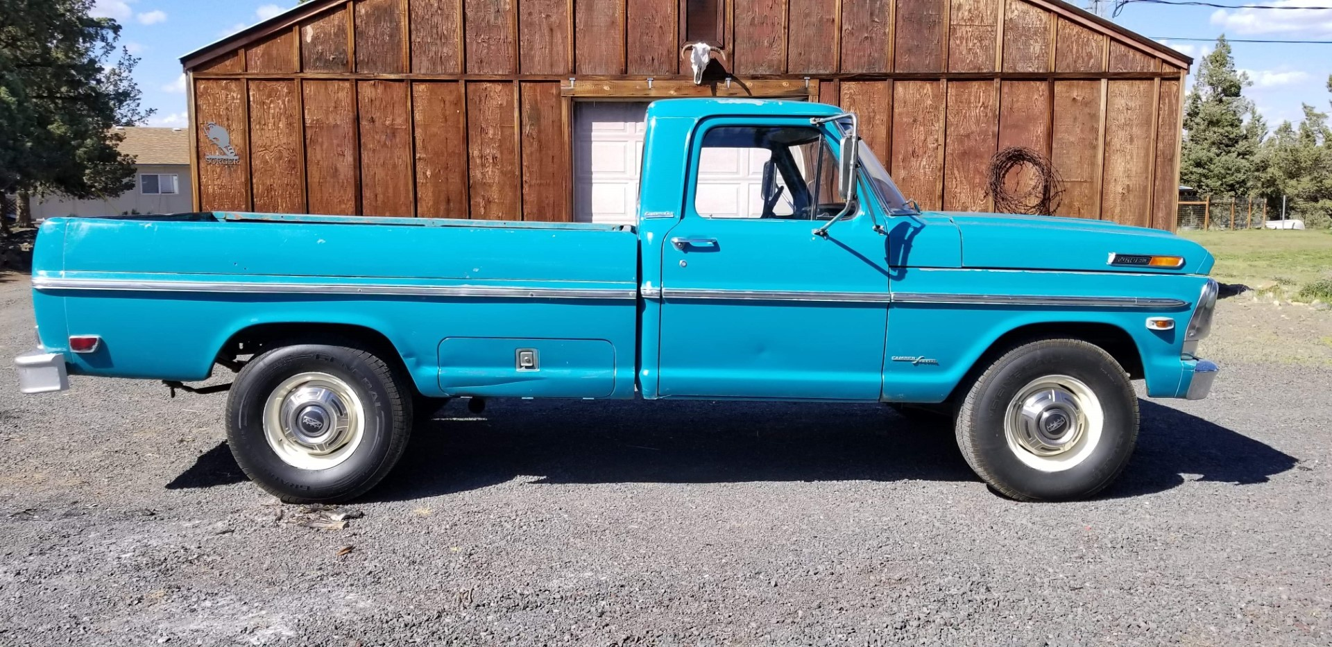 1969-Ford-F250-Custom-Cab-Camper-Special-360ci-V8-11