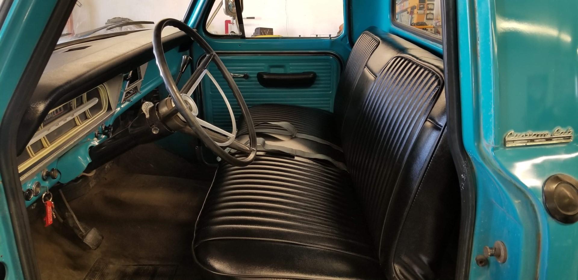 1969-Ford-F250-Custom-Cab-Camper-Special-360ci-V8-13