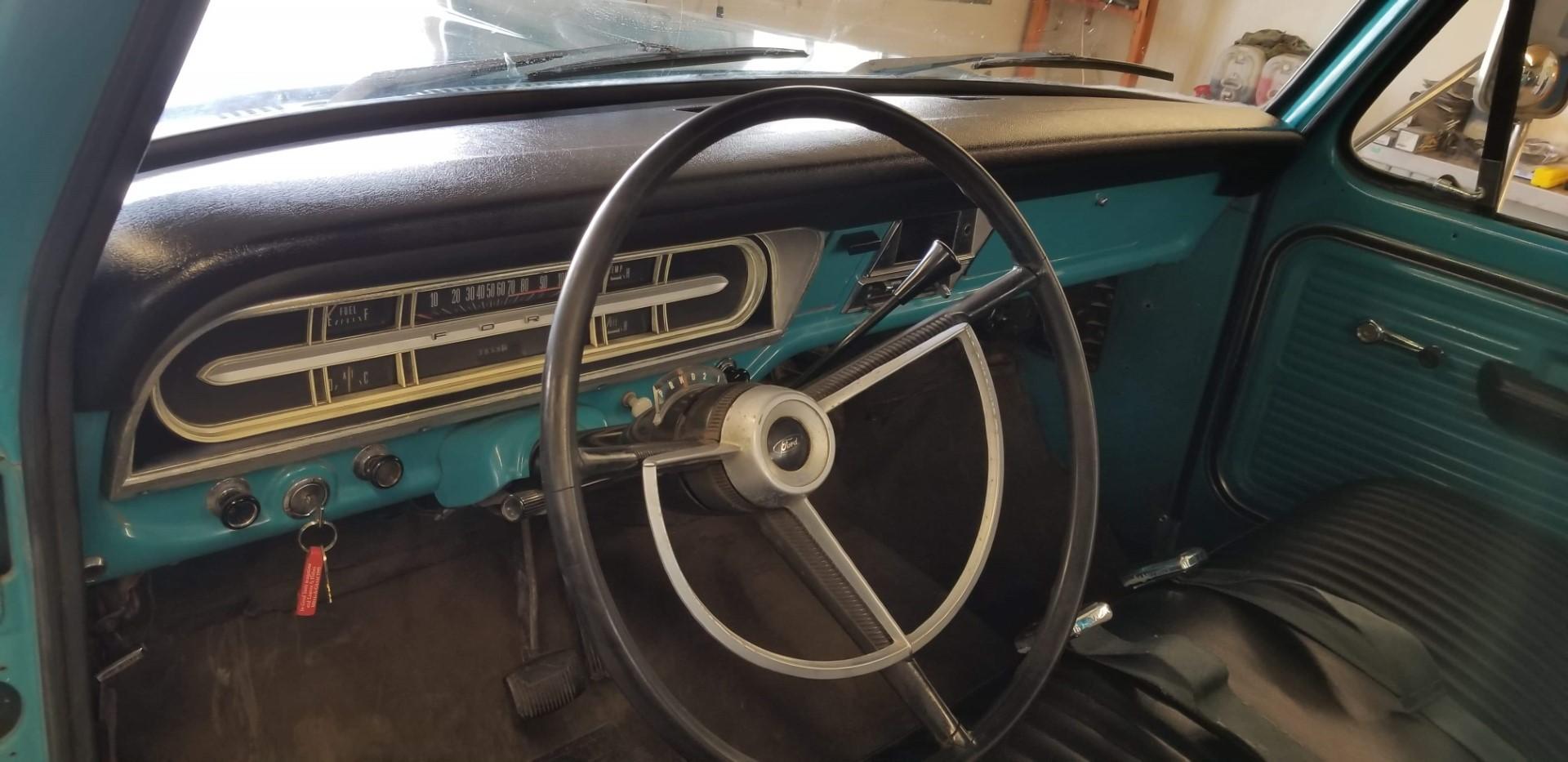 1969-Ford-F250-Custom-Cab-Camper-Special-360ci-V8-17