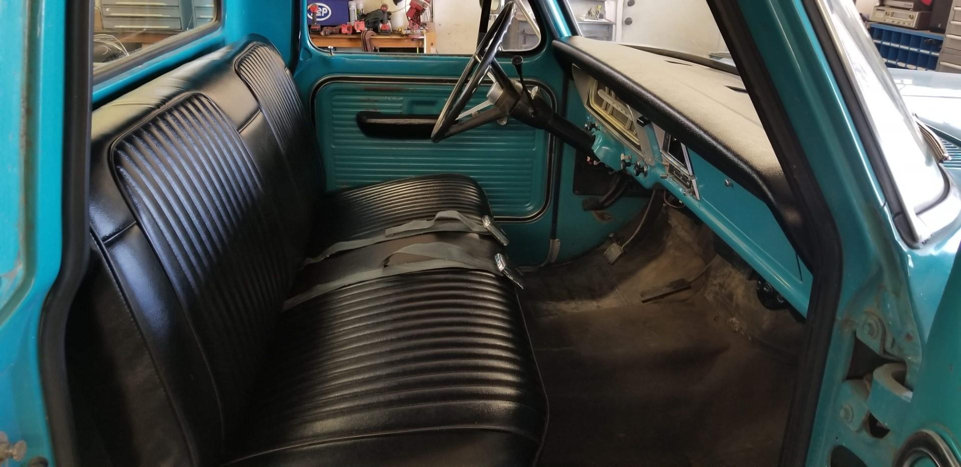1969-Ford-F250-Custom-Cab-Camper-Special-360ci-V8-8