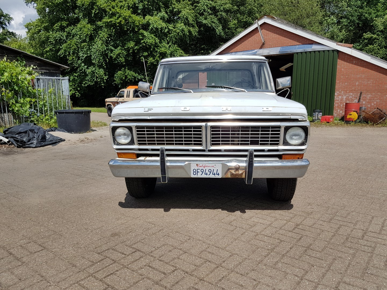 1970 Ford F250 Camper Special 360ci V8 (13)