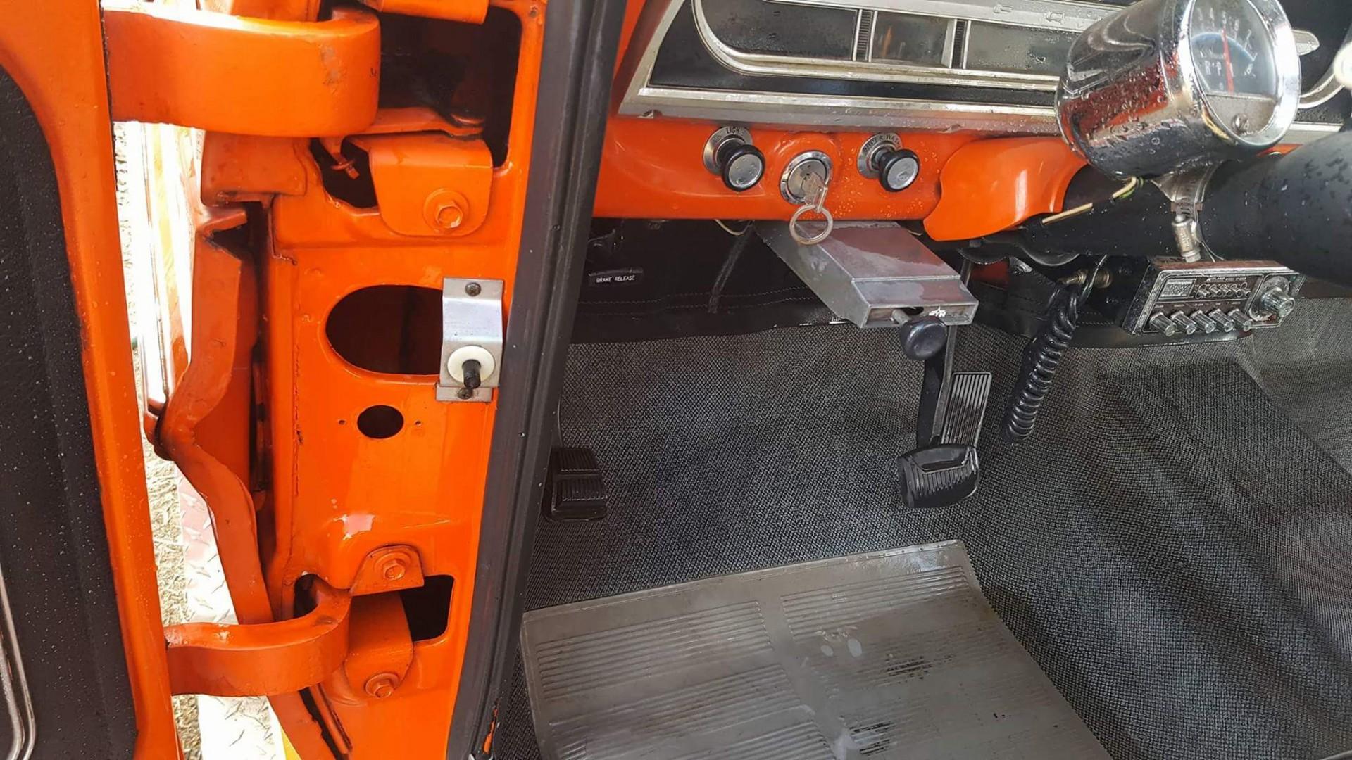 1971 F250 Camper Special Sport Custom (16)