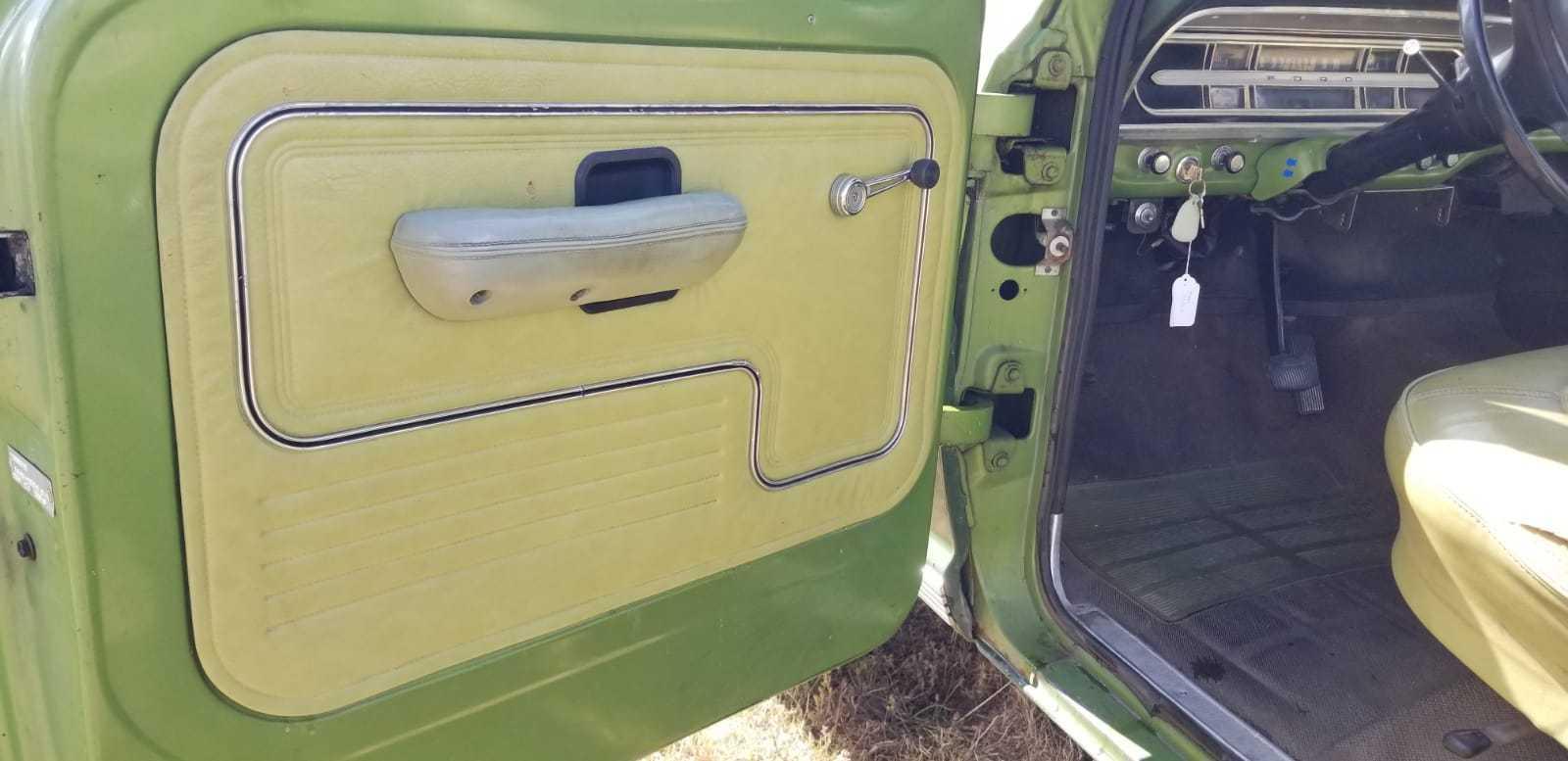 1972-Ford-F250-Camper-Special-Explorer-360ci-V8-12