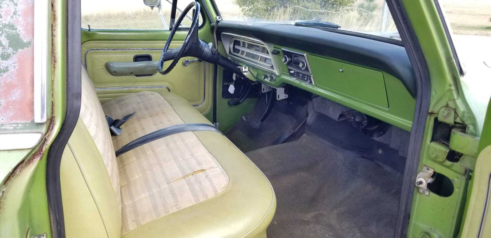 1972-Ford-F250-Camper-Special-Explorer-360ci-V8-3