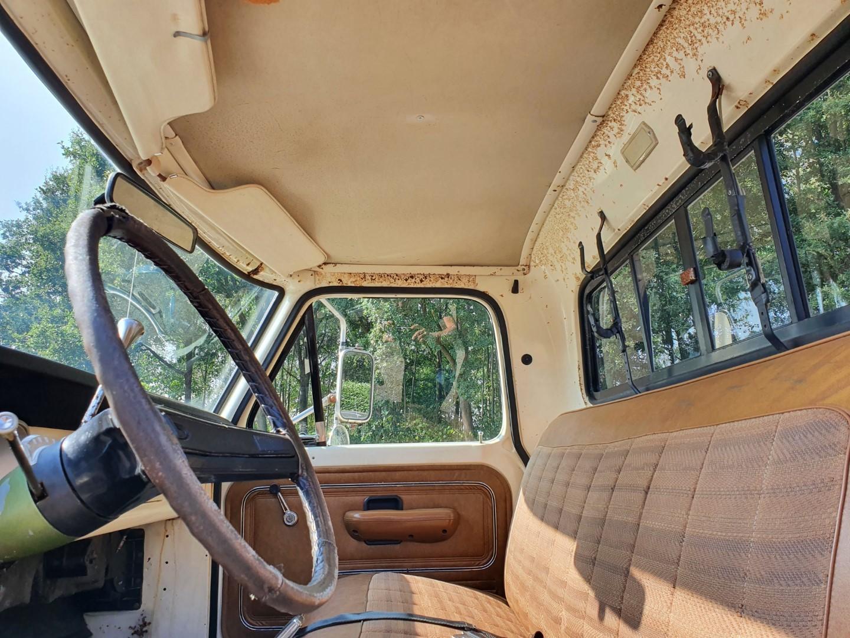 1972-Ford-F250-CamperSpecial-Explorer-460ci-V8-11