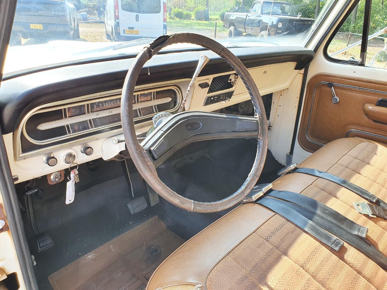 1972-Ford-F250-CamperSpecial-Explorer-460ci-V8-12