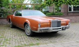 1972 Lincoln Mark IV (2)