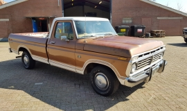 1974-Ford-F100-Explorer-460ci-V8-8