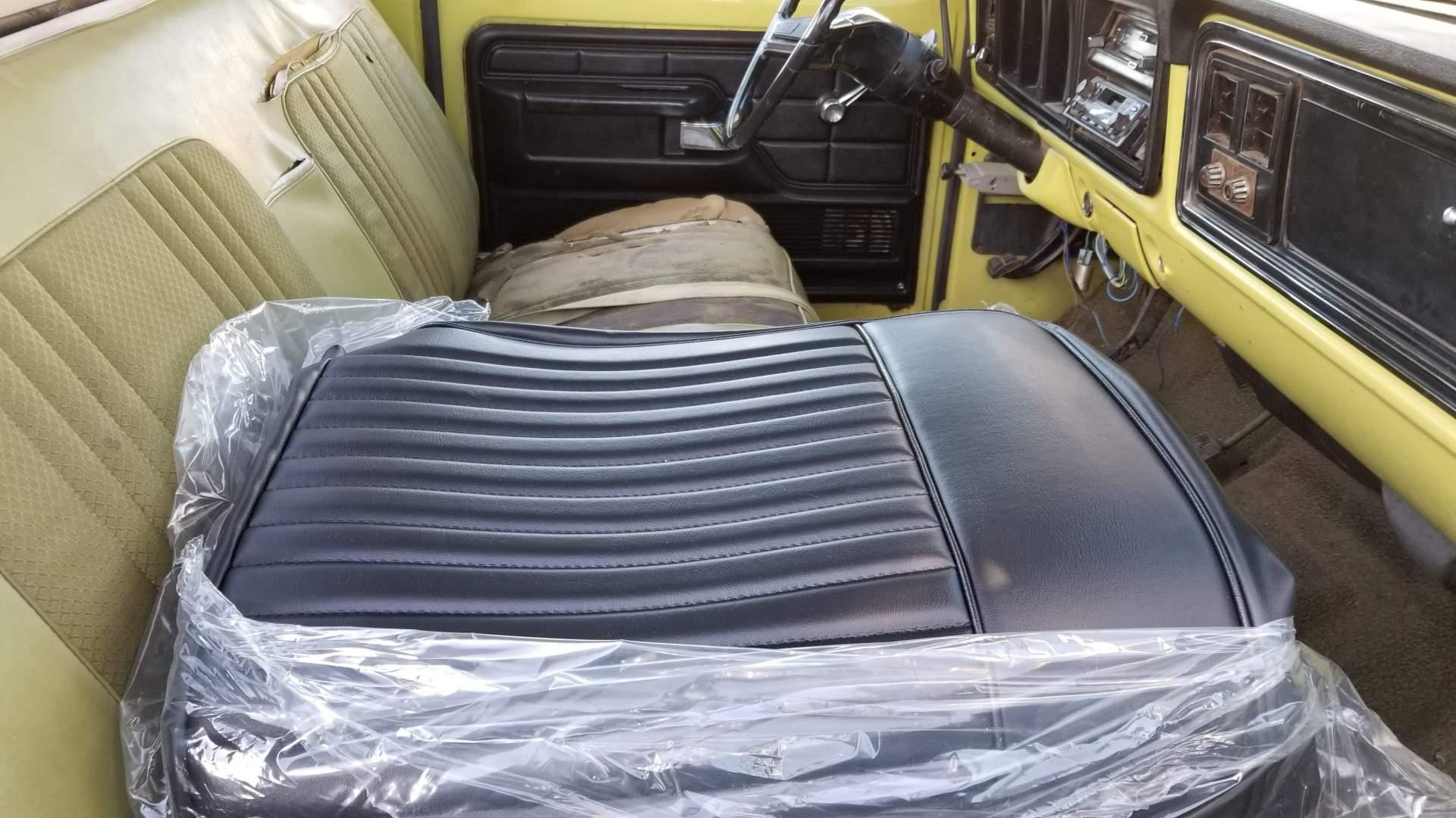 1974-Ford-F350-Ranger-Super-Camper-Special-390ci-4